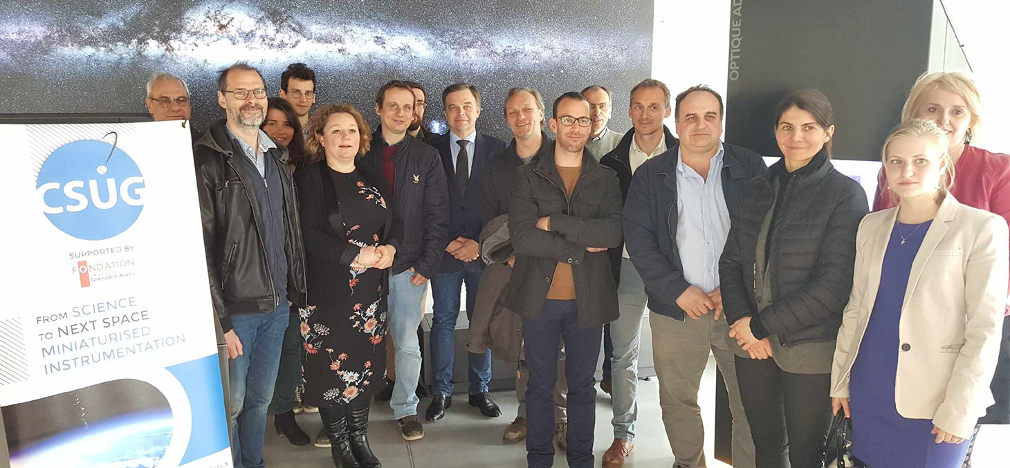 Photo de groupe avec l'entreprise NICOMATIC lors de la visite au CSUG le 3 avril 2018 © CSUG